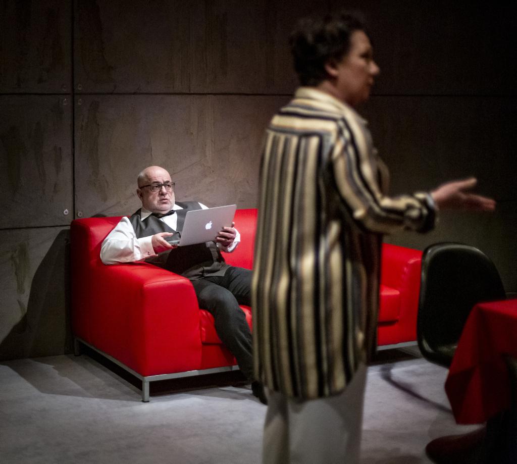 Inteligenci / reż Robert Talarczyk / Teatr Śląski